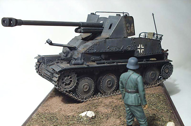 Dioramas and Vignettes: SPG and Soldier