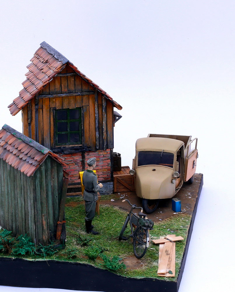 Dioramas and Vignettes: Wow! There are bees!, photo #2