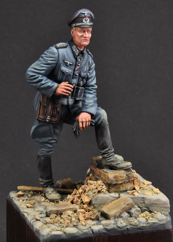 Figures: German officer, photo #2
