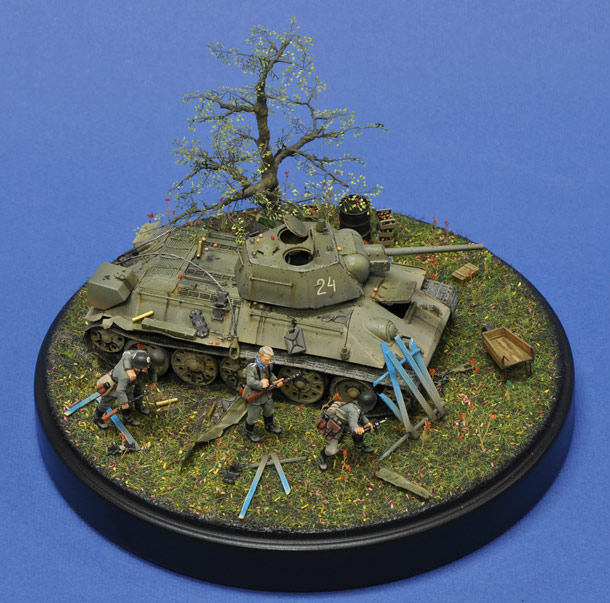 Dioramas and Vignettes: Escaping from encirclement