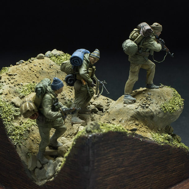 Dioramas and Vignettes: Fight over the pass