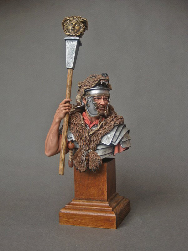 Figures: Ad Gloriam Romae. Imaginifer, 1st cent. A.D., photo #1