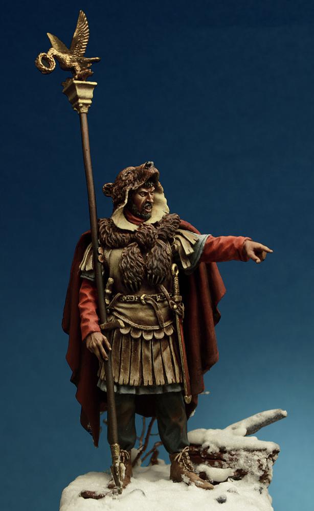 Figures: Roman aquilifer, II-III cent. A.D., photo #4
