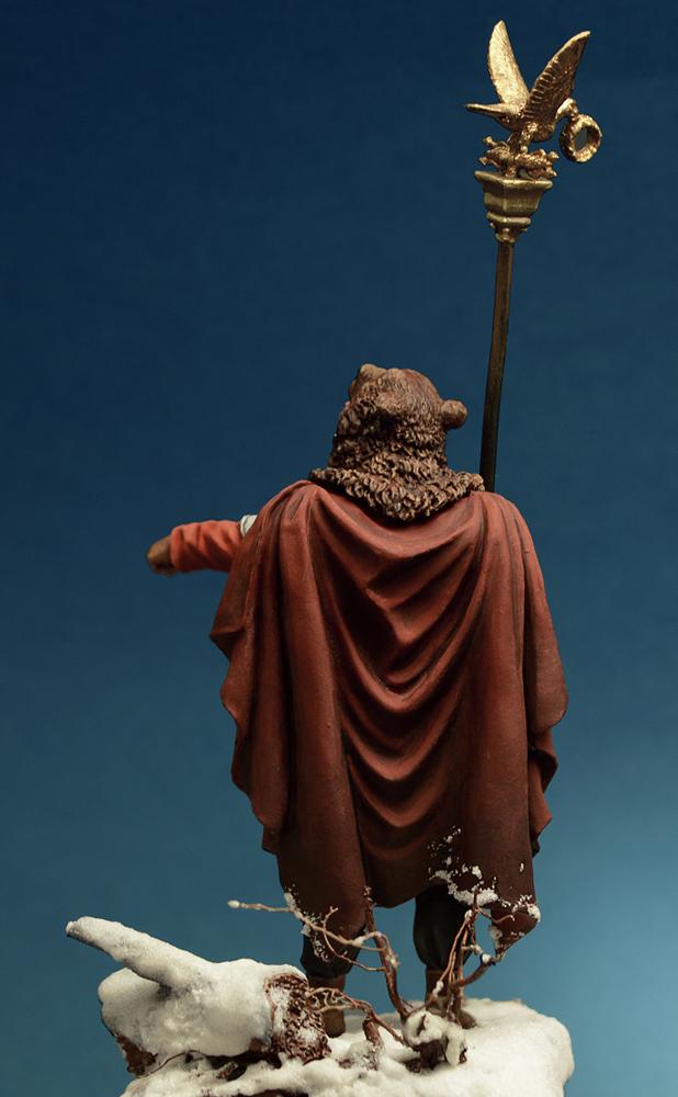 Figures: Roman aquilifer, II-III cent. A.D., photo #5