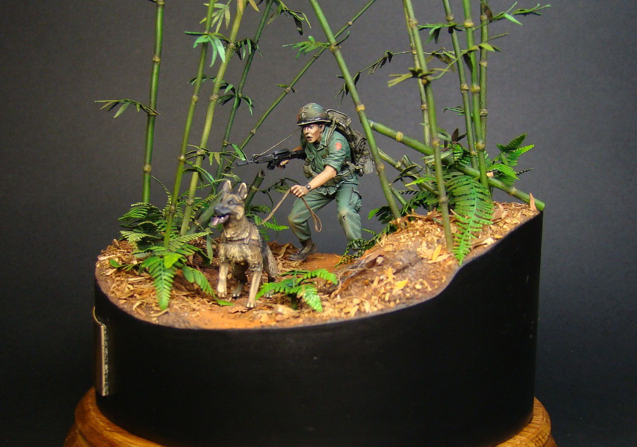 Dioramas and Vignettes: Scout with a dog. Vietnam, photo #1