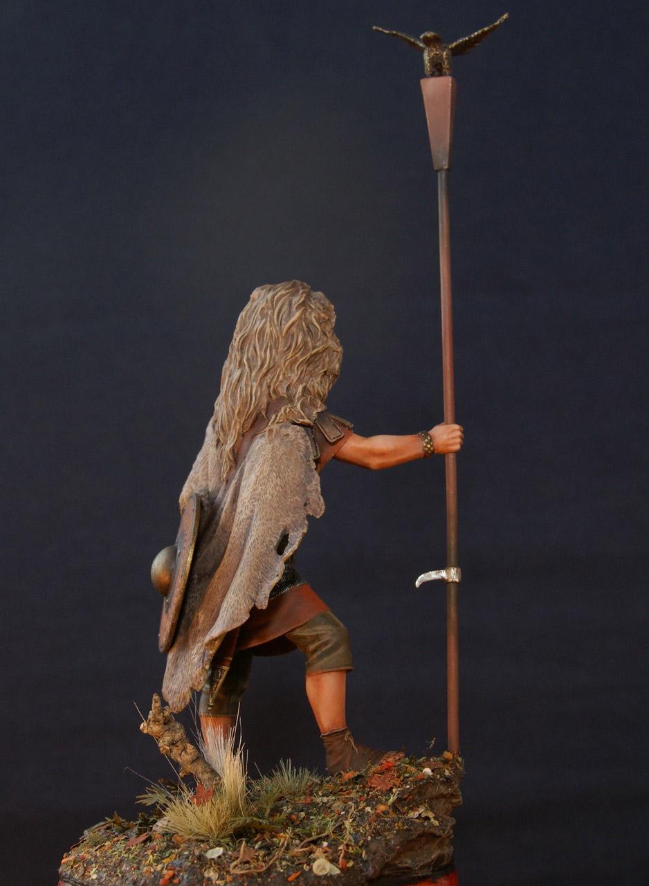 Figures: Standard bearer of the Legion, photo #5