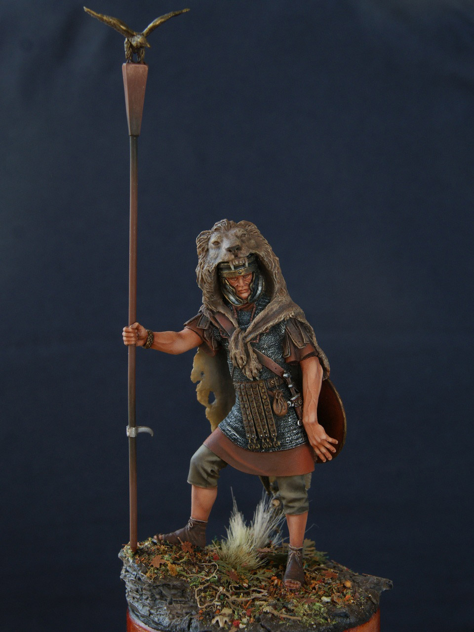 Figures: Standard bearer of the Legion, photo #8