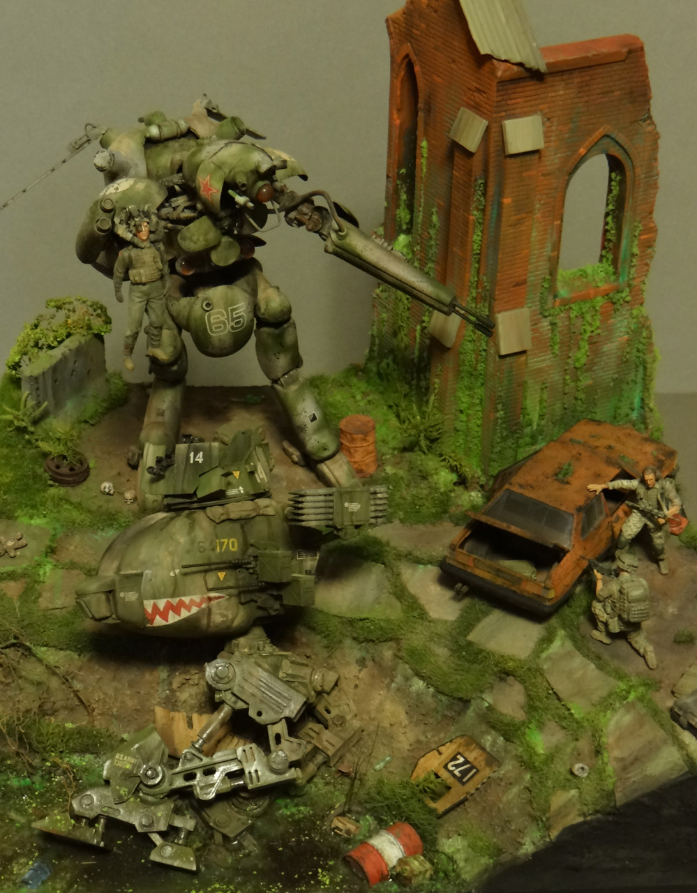 Dioramas and Vignettes: Help!.., photo #3