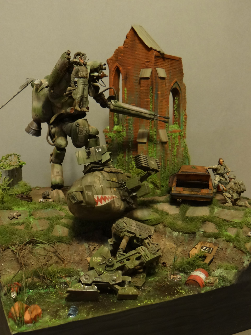 Dioramas and Vignettes: Help!.., photo #4