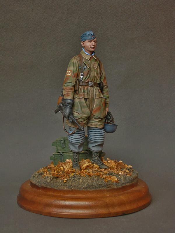 Figures: Fallschirmjagers feldwebel, 1943-45, photo #1