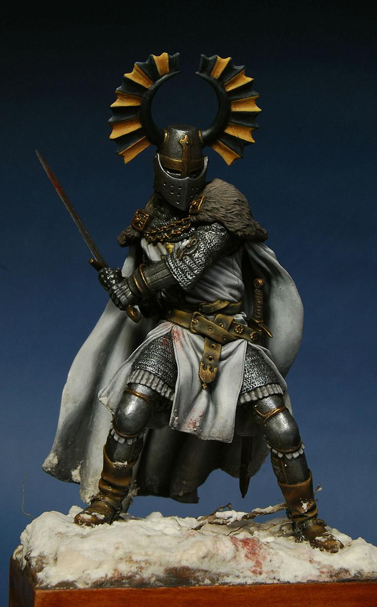 Figures: Teutonic knight, XIV cent., photo #1