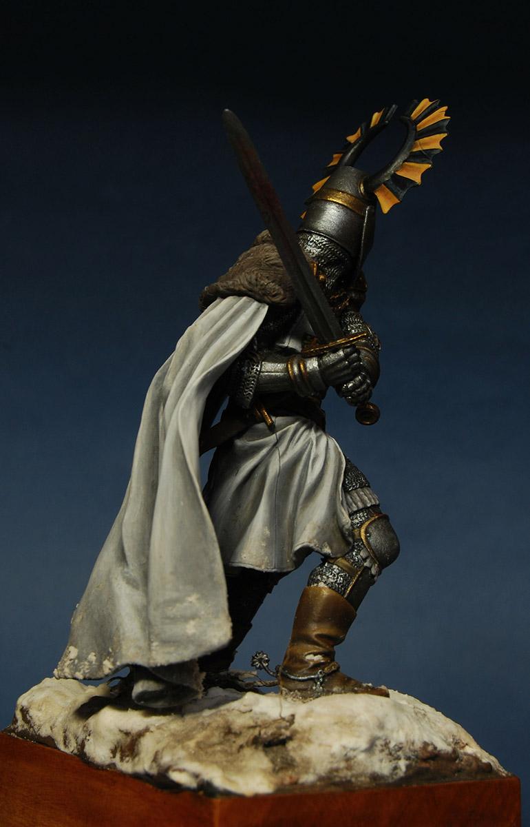 Figures: Teutonic knight, XIV cent., photo #6