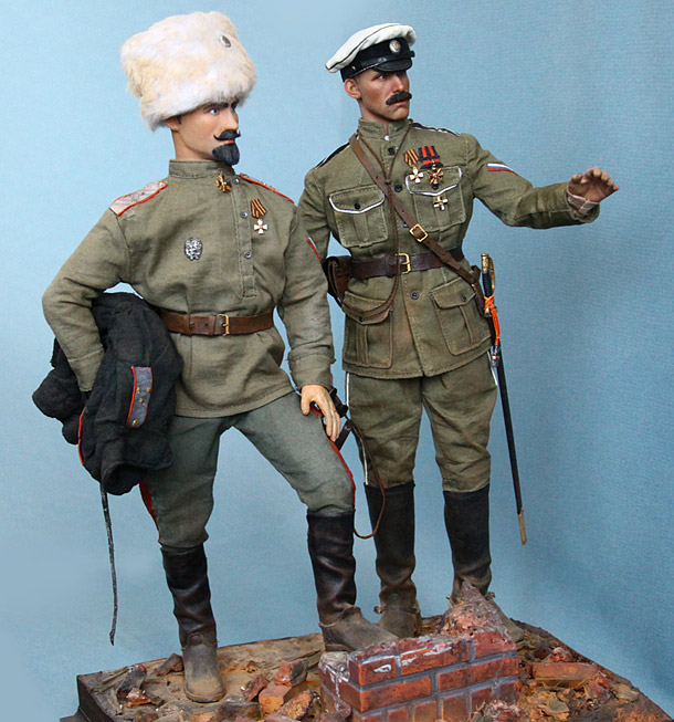 Figures: Lieutenant-general S.L.Markov and captain of 1st Officers regt., 1918