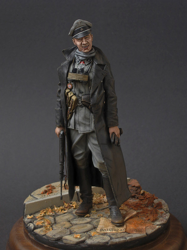 Figures: SS officer, photo #1