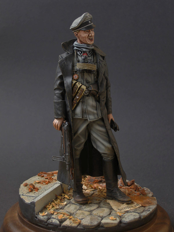 Figures: SS officer, photo #2