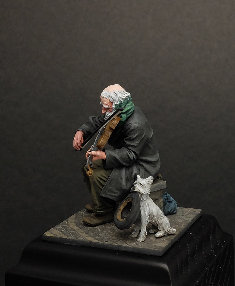 Dioramas and Vignettes: The sky is grey, photo #2