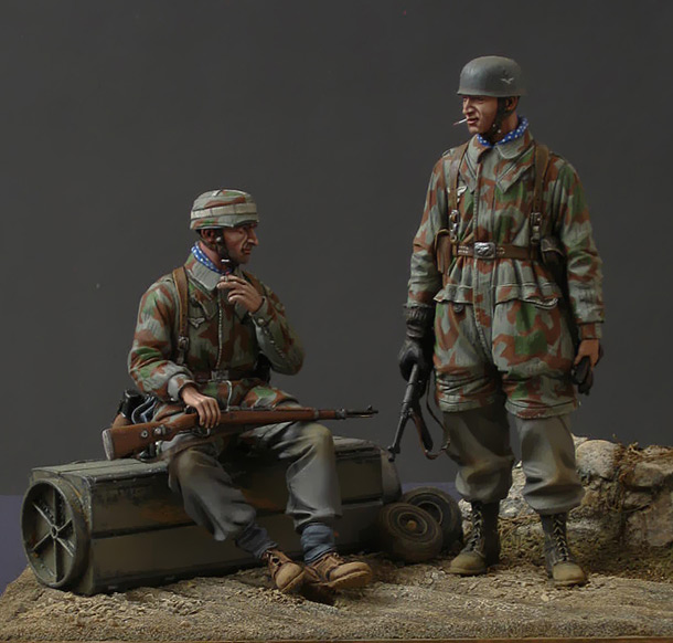 Dioramas and Vignettes: German paratroopers
