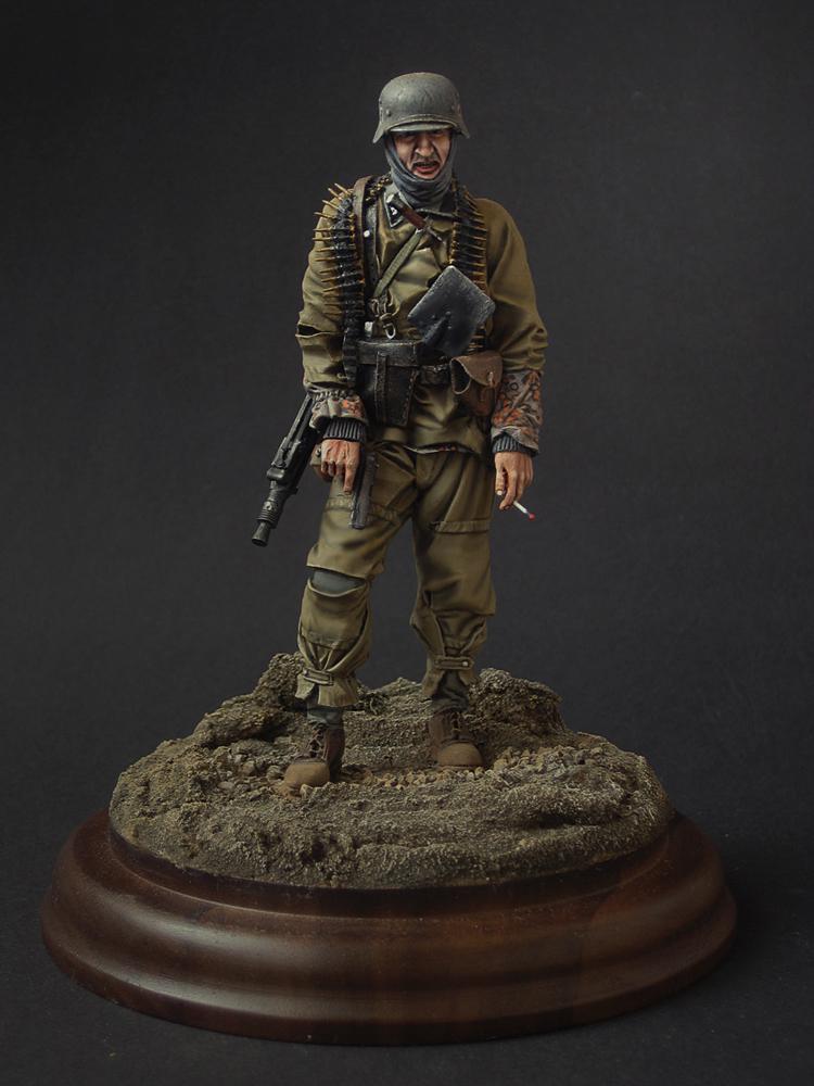 Figures: SS machine gunner, photo #1
