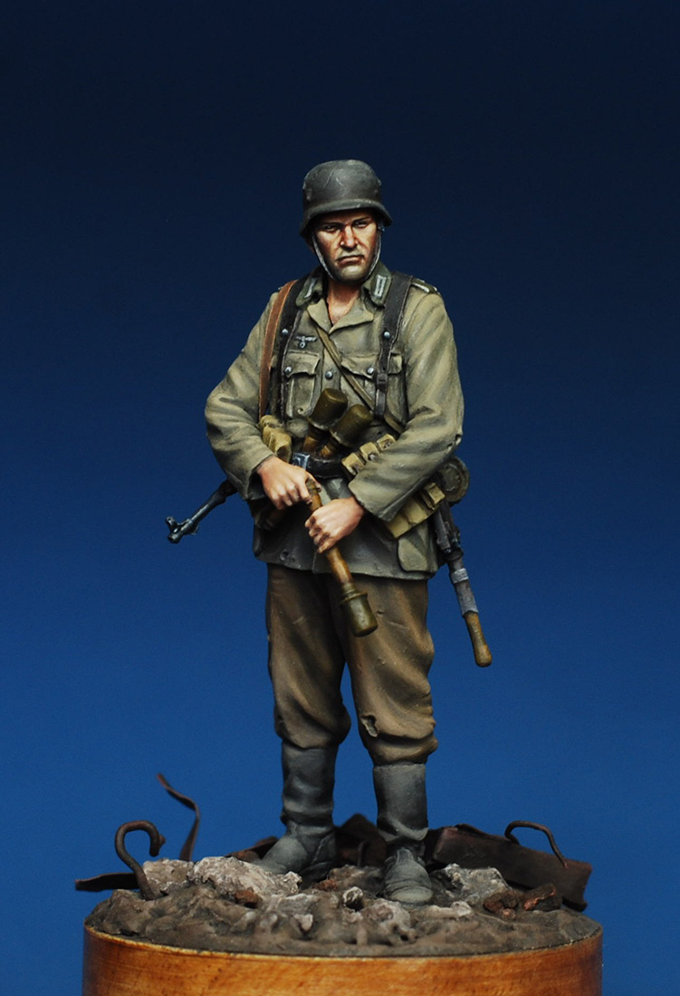 Figures: German infantryman. Stalingrad, 1942, photo #1