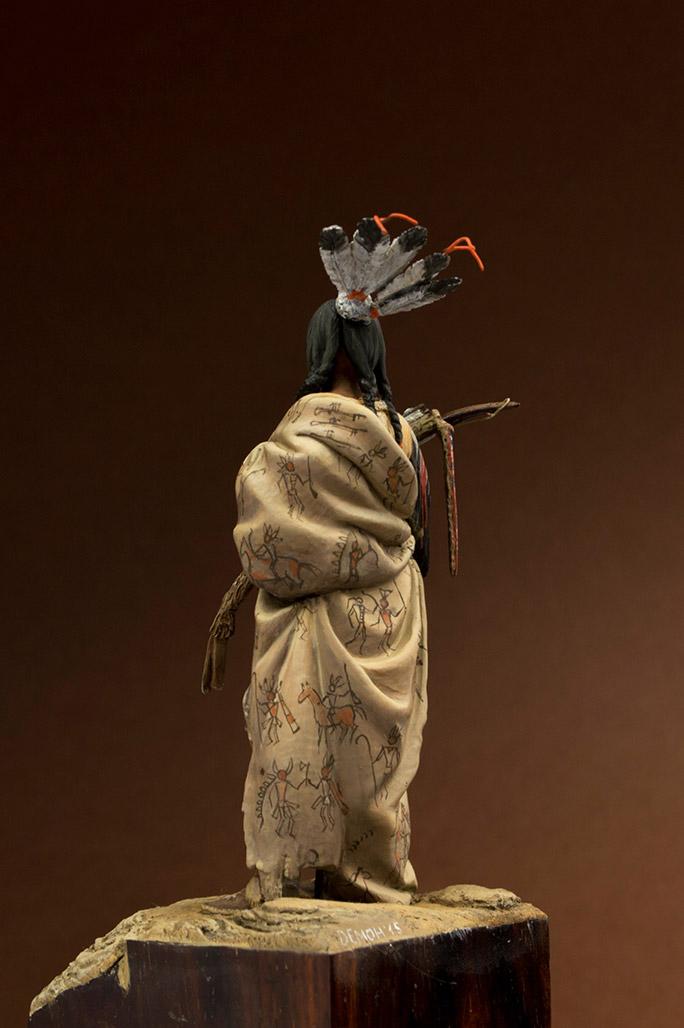 Figures: Hidatsa warrior, photo #4
