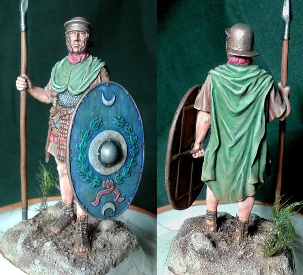 Figures: Roman auxiliary, I cent. A.D.