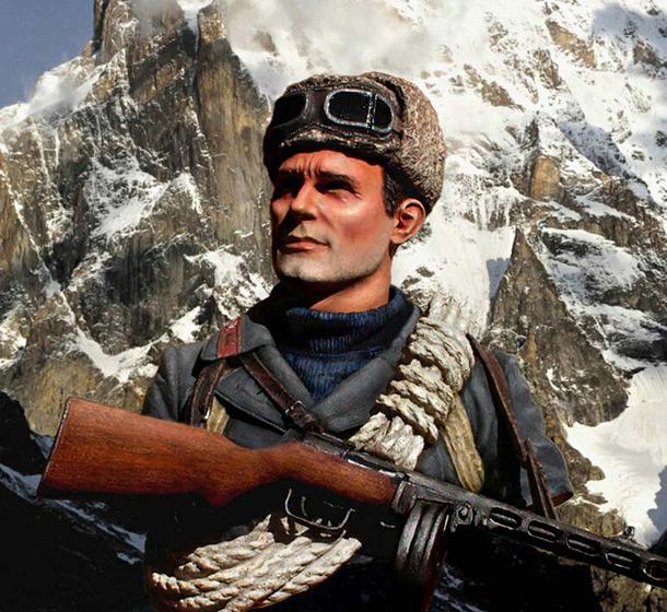 Figures: Soviet mountain trooper. Caucasus, 1942-43