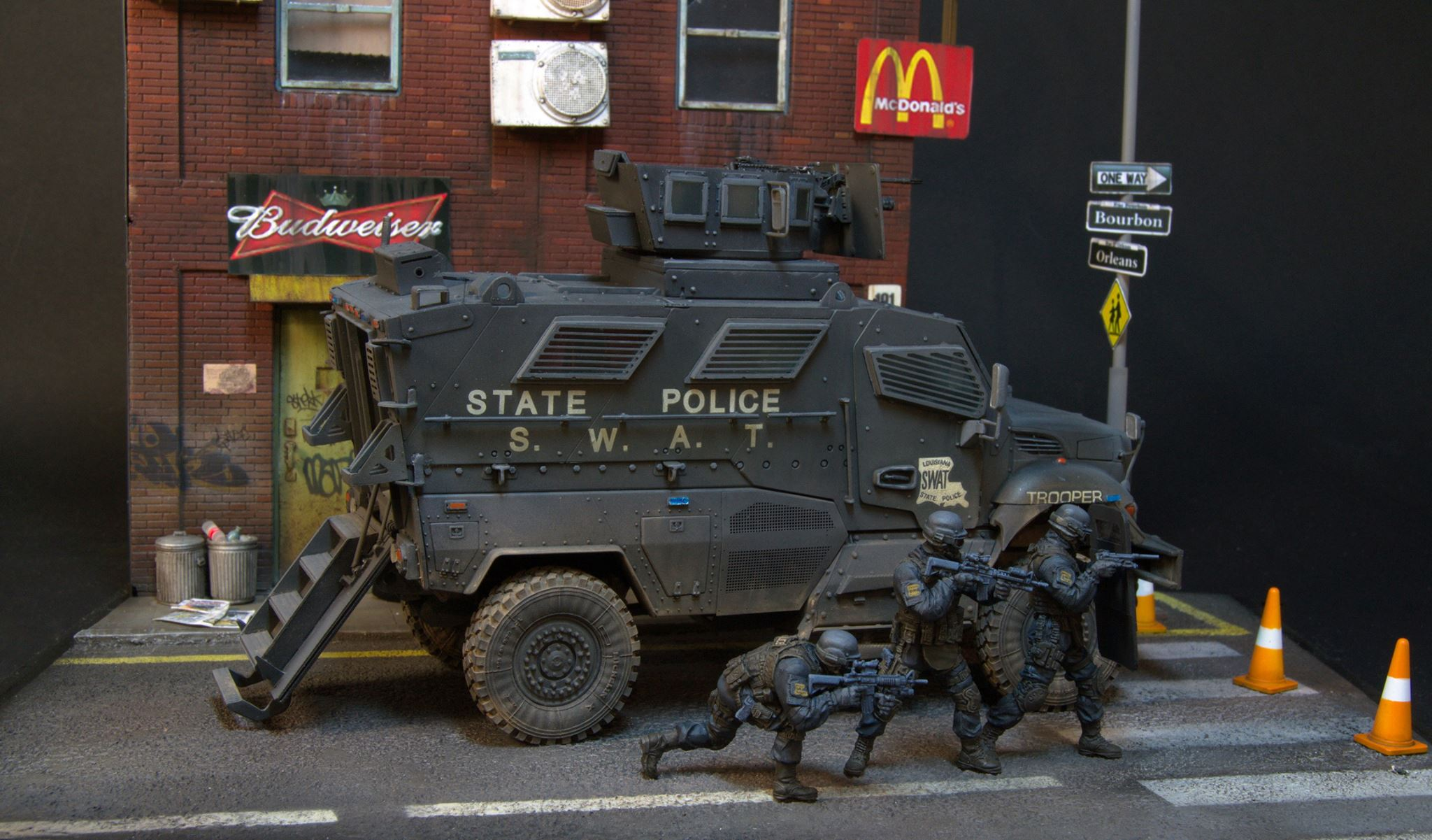 Dioramas and Vignettes: S.W.A.T., photo #15