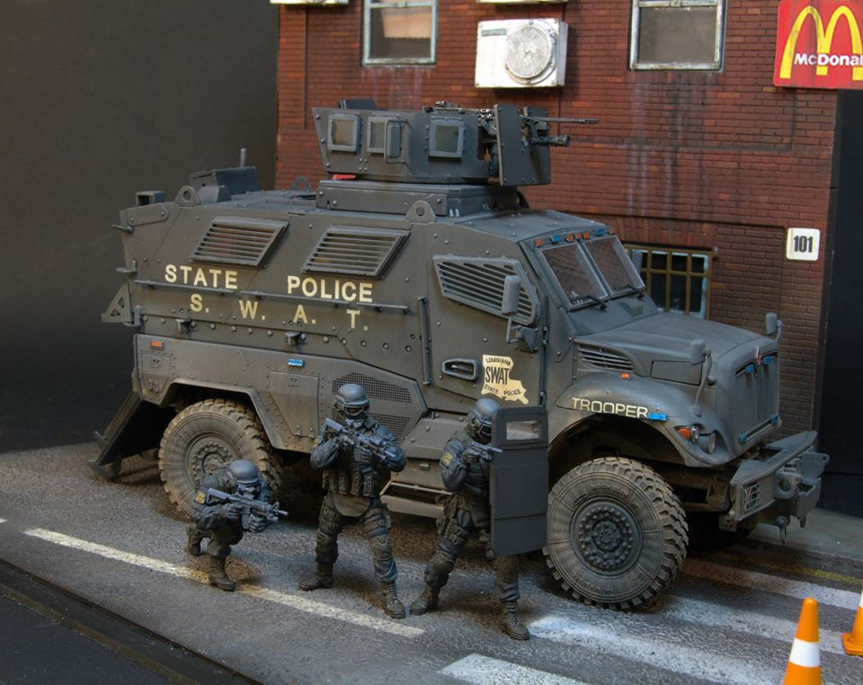 Dioramas and Vignettes: S.W.A.T., photo #17