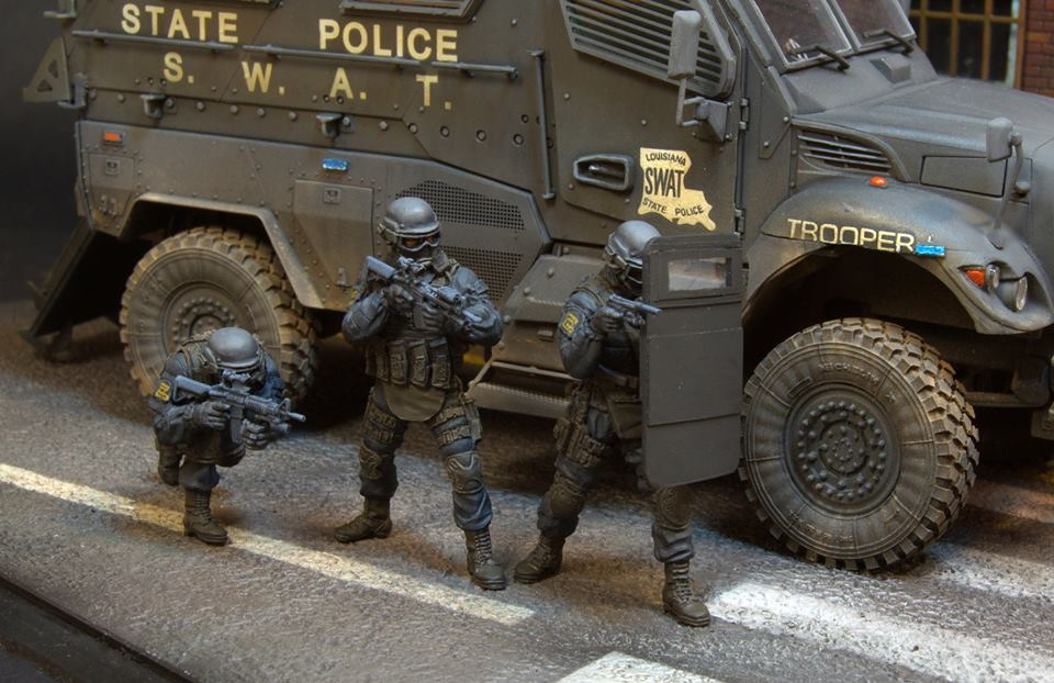 Dioramas and Vignettes: S.W.A.T., photo #18