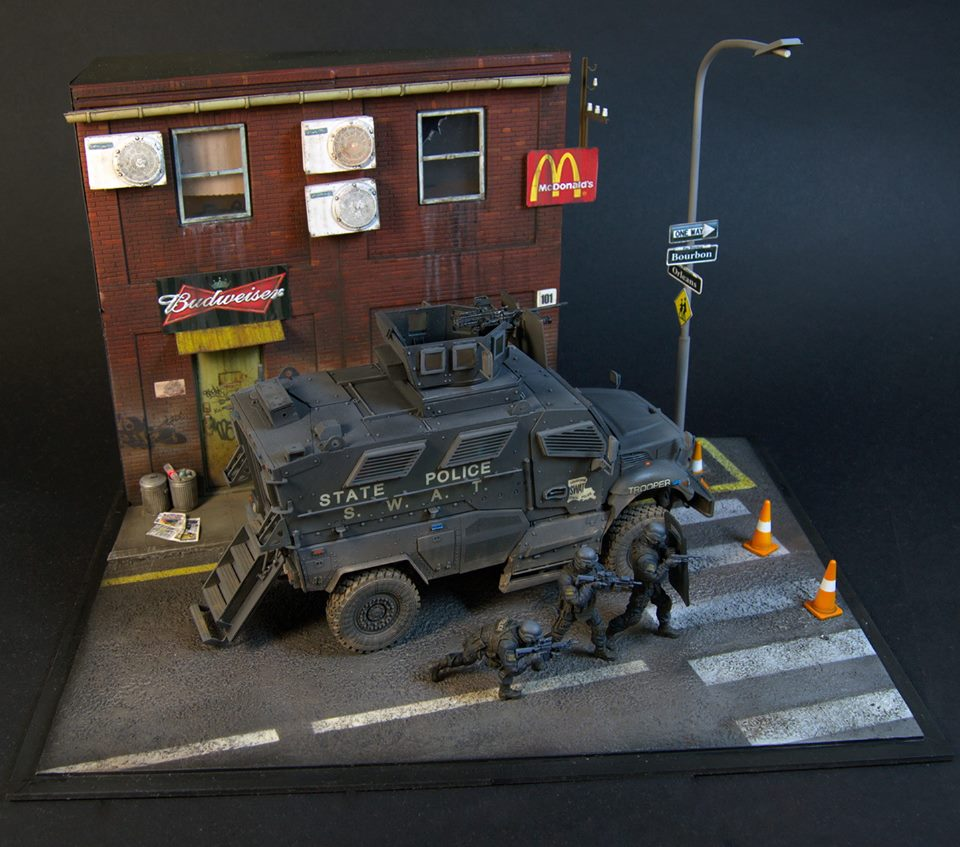 Dioramas and Vignettes: S.W.A.T., photo #5