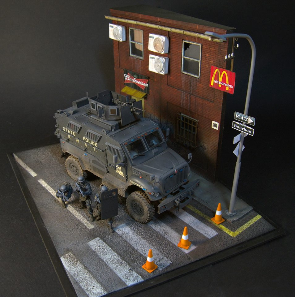 Dioramas and Vignettes: S.W.A.T., photo #7