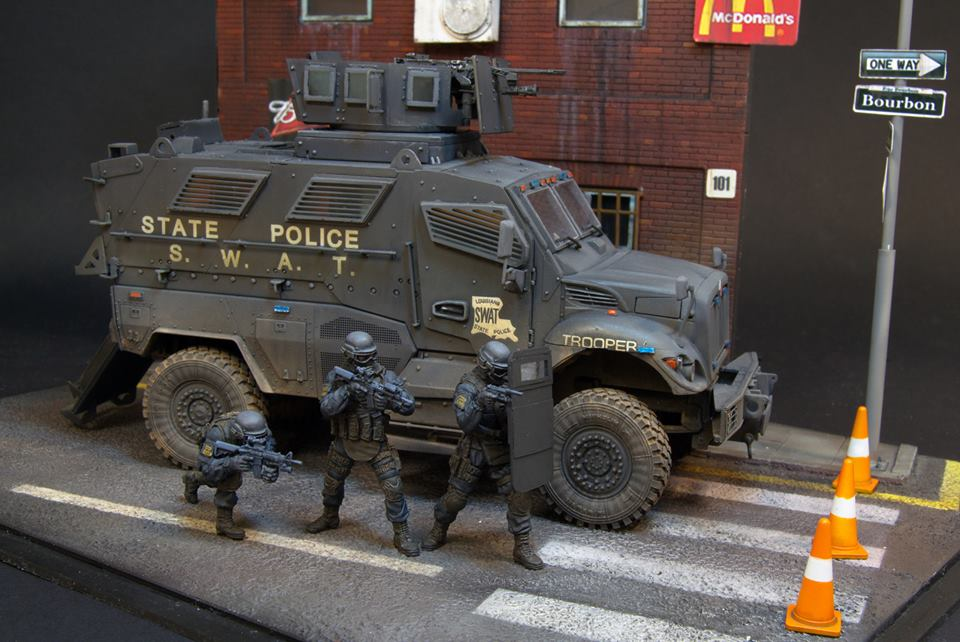 Dioramas and Vignettes: S.W.A.T., photo #9