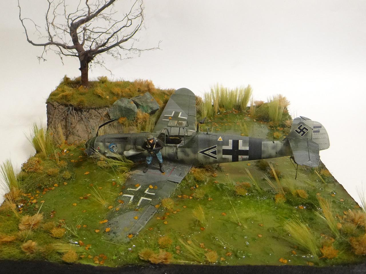 Dioramas and Vignettes: Shot down pilot, photo #1