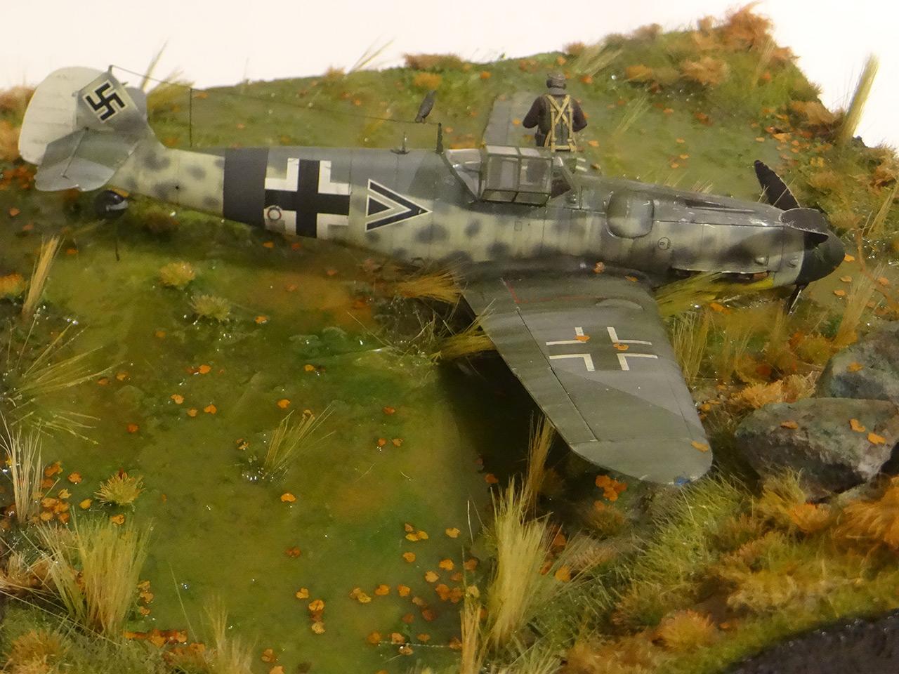 Dioramas and Vignettes: Shot down pilot, photo #10