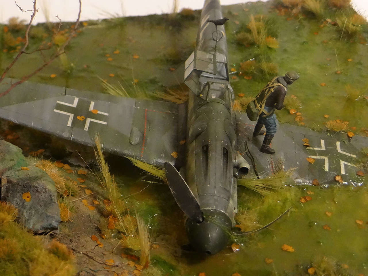 Dioramas and Vignettes: Shot down pilot, photo #11