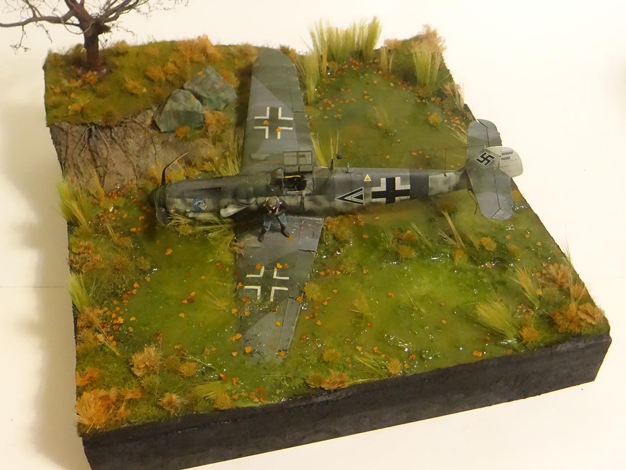 Dioramas and Vignettes: Shot down pilot, photo #13