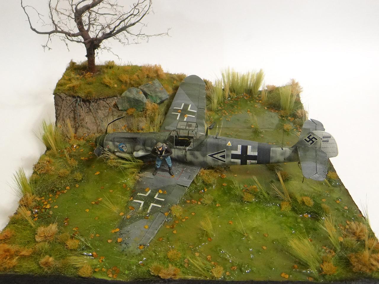 Dioramas and Vignettes: Shot down pilot, photo #2