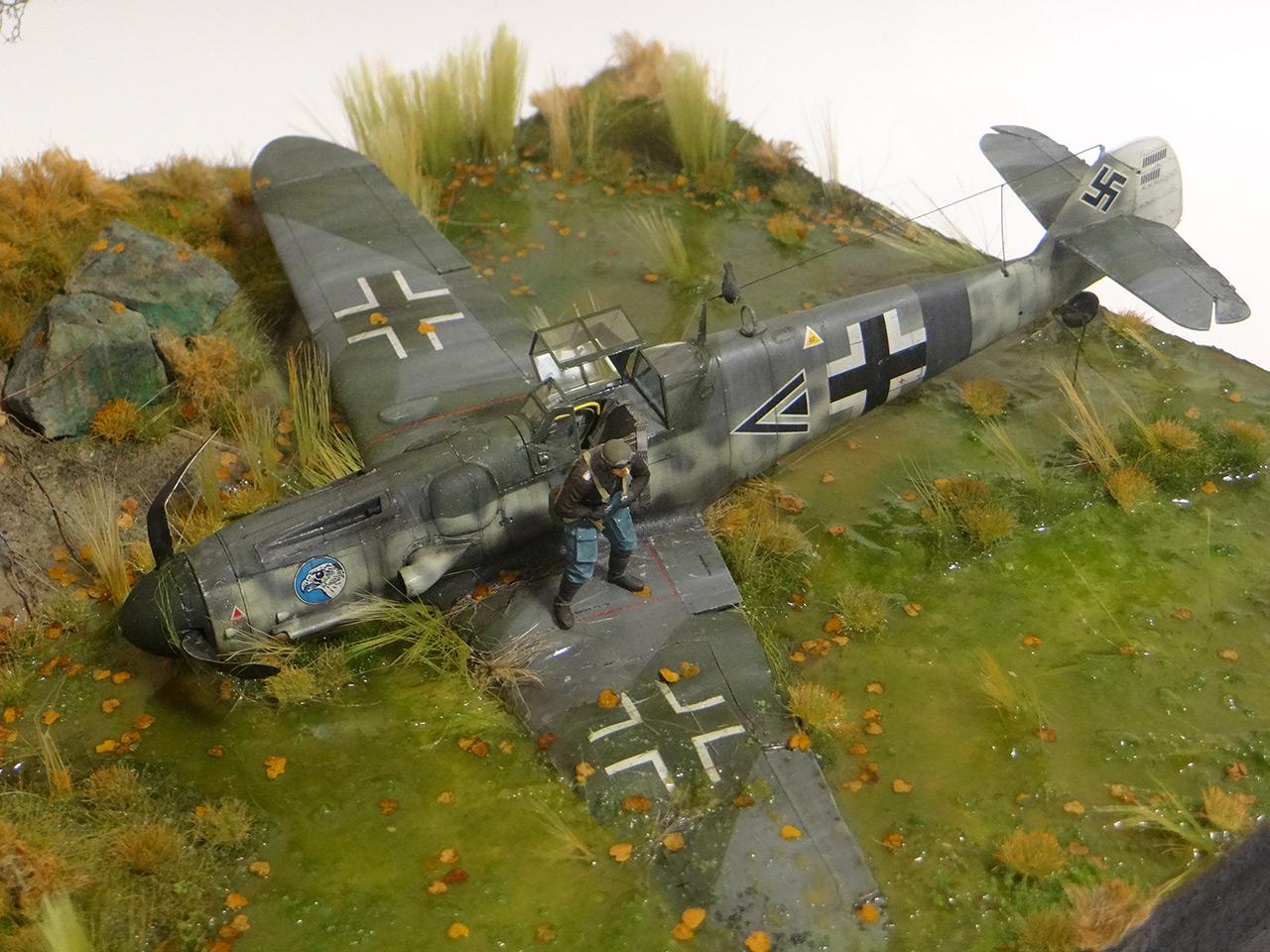 Dioramas and Vignettes: Shot down pilot, photo #4