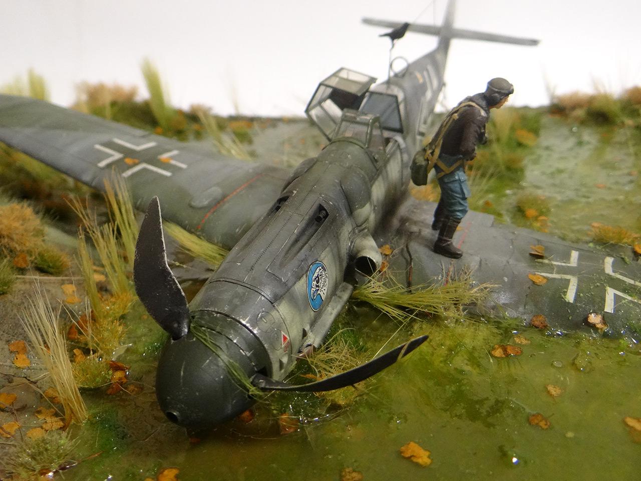 Dioramas and Vignettes: Shot down pilot, photo #5