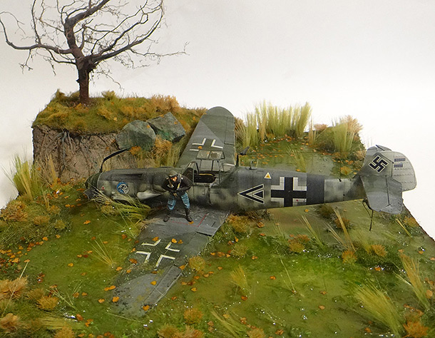 Dioramas and Vignettes: Shot down pilot