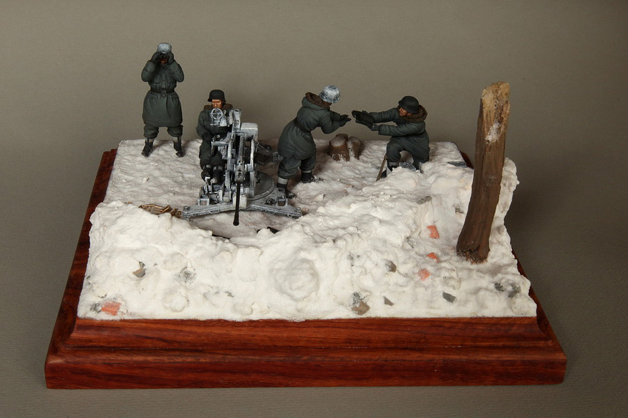 Dioramas and Vignettes: Waffen-SS FlaK-38 crew, photo #1