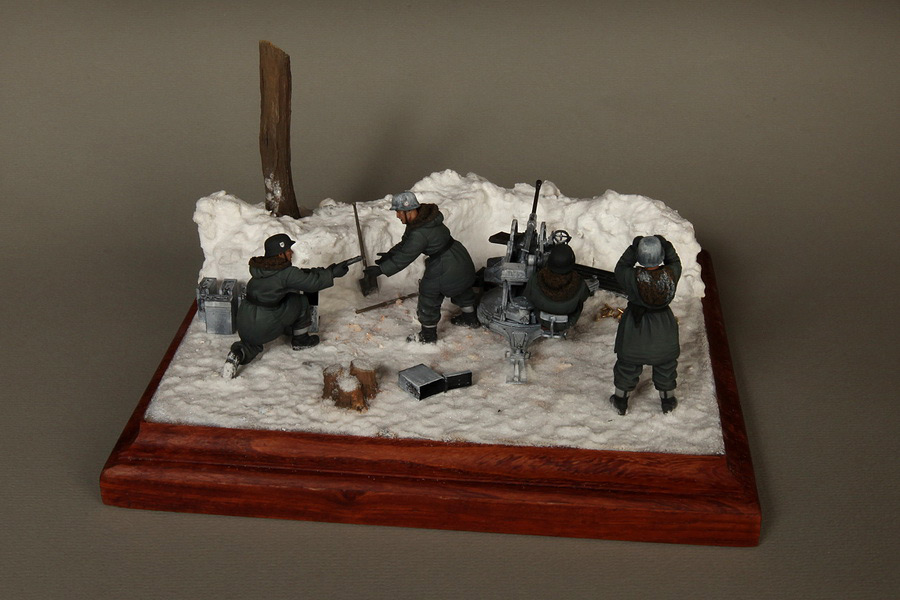Dioramas and Vignettes: Waffen-SS FlaK-38 crew, photo #12