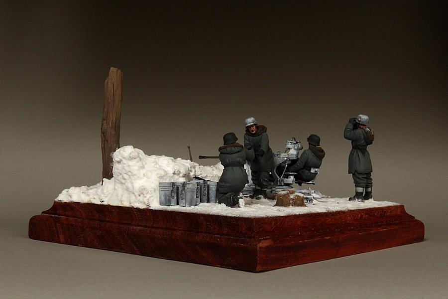 Dioramas and Vignettes: Waffen-SS FlaK-38 crew, photo #15