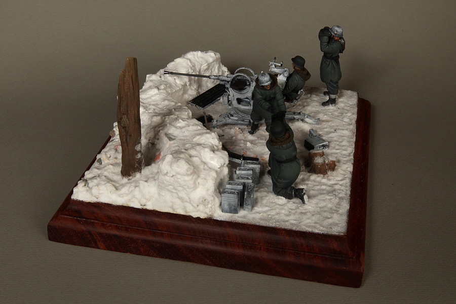 Dioramas and Vignettes: Waffen-SS FlaK-38 crew, photo #16