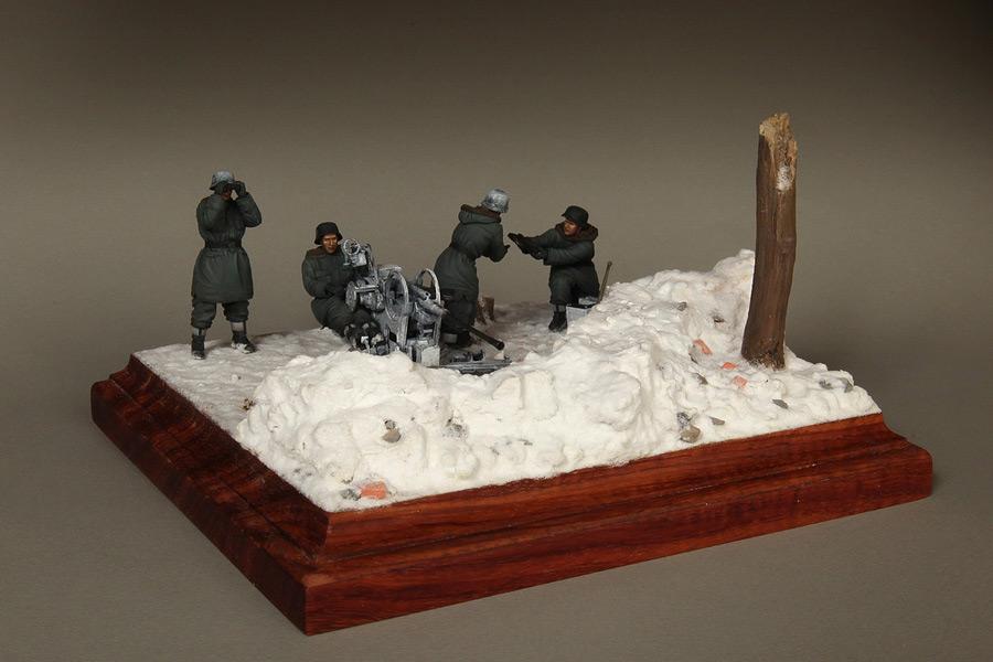 Dioramas and Vignettes: Waffen-SS FlaK-38 crew, photo #2