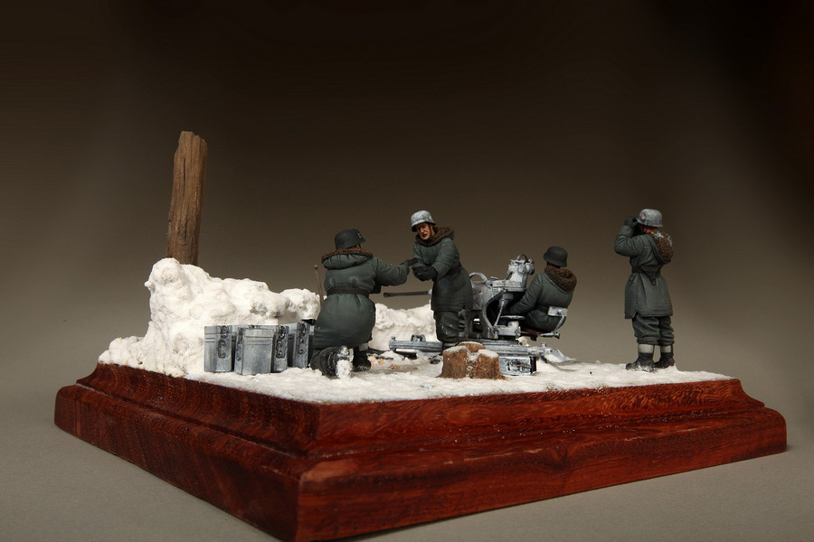Dioramas and Vignettes: Waffen-SS FlaK-38 crew, photo #21