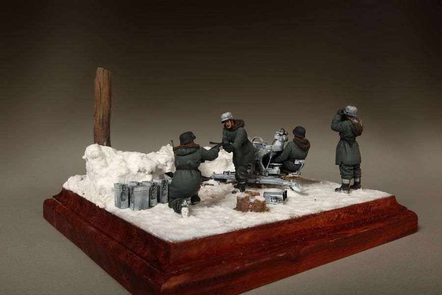 Dioramas and Vignettes: Waffen-SS FlaK-38 crew, photo #22