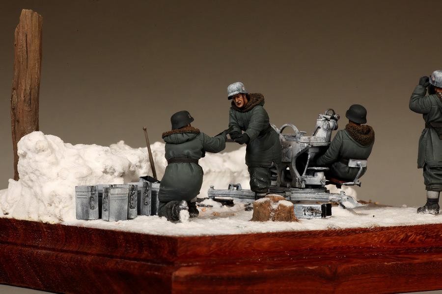 Dioramas and Vignettes: Waffen-SS FlaK-38 crew, photo #23