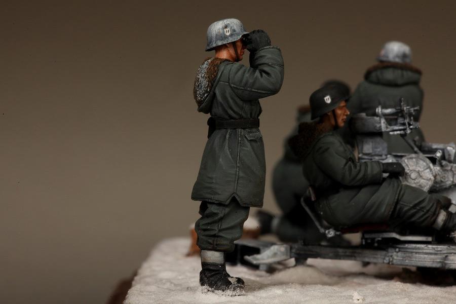 Dioramas and Vignettes: Waffen-SS FlaK-38 crew, photo #26