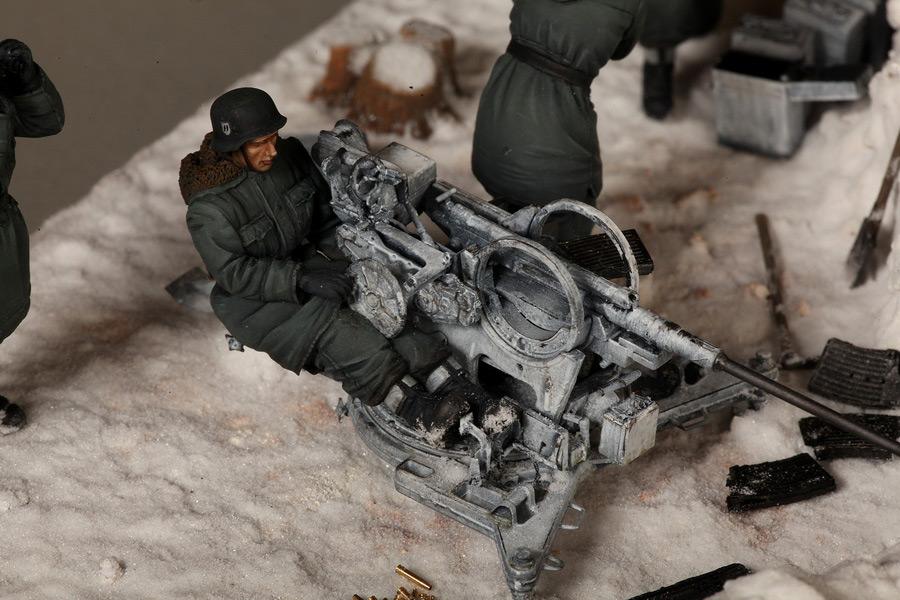 Dioramas and Vignettes: Waffen-SS FlaK-38 crew, photo #27